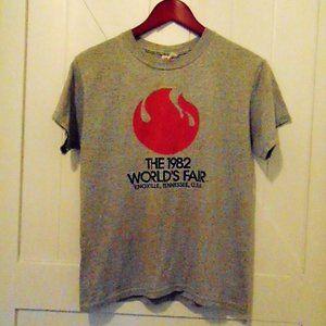 VTG 1982 Worlds Fair T-Shirt Knoxville TN